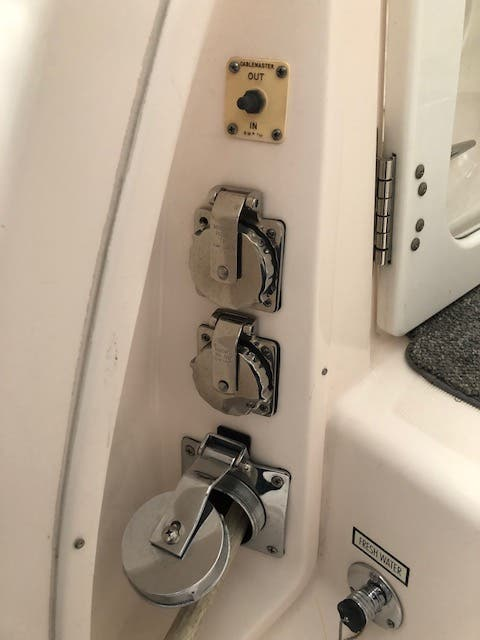 2004 Tiara Yachts boat for sale, model of the boat is 4400 SOVRAN & Image # 83 of 95