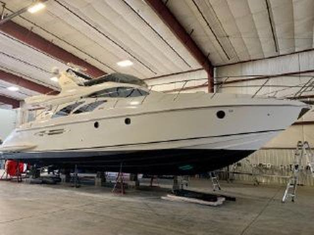 2005 Azimut boat for sale, model of the boat is 50FLY & Image # 4 of 17