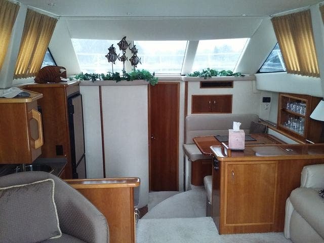 2005 Carver boat for sale, model of the boat is 33SS & Image # 8 of 44