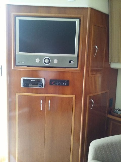 2005 Carver boat for sale, model of the boat is 33SS & Image # 9 of 44