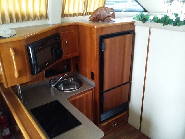 2005 Carver boat for sale, model of the boat is 33SS & Image # 10 of 44