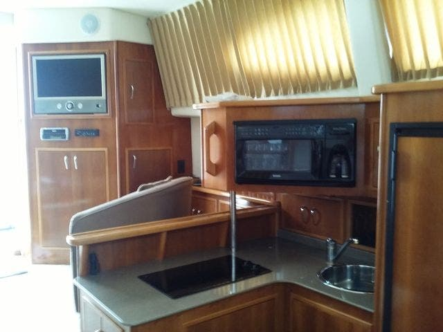 2005 Carver boat for sale, model of the boat is 33SS & Image # 12 of 44