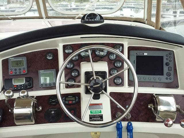 2005 Carver boat for sale, model of the boat is 33SS & Image # 20 of 44