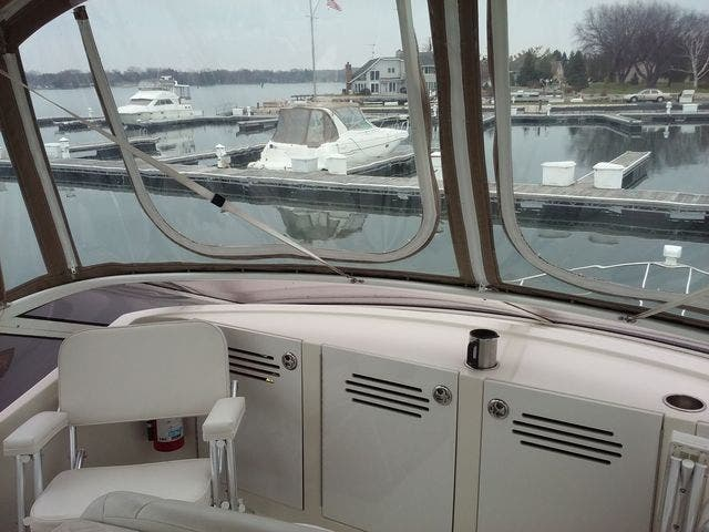 2005 Carver boat for sale, model of the boat is 33SS & Image # 24 of 44