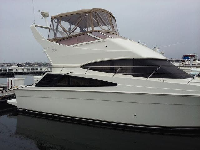 2005 Carver boat for sale, model of the boat is 33SS & Image # 34 of 44