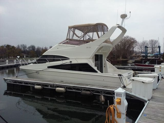 2005 Carver boat for sale, model of the boat is 33SS & Image # 36 of 44