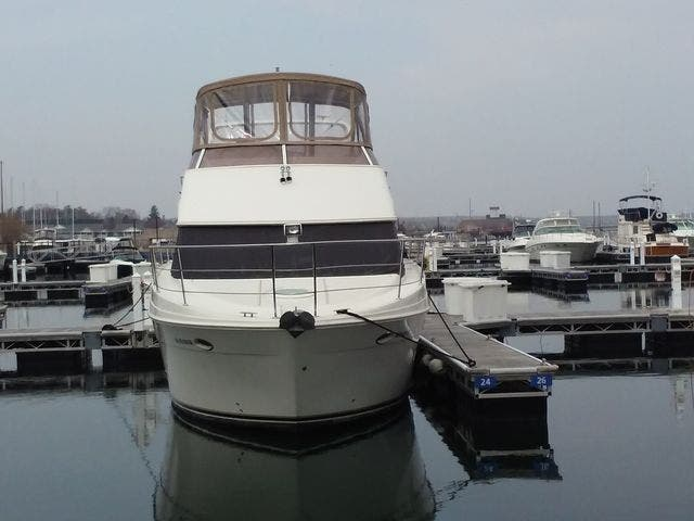 2005 Carver boat for sale, model of the boat is 33SS & Image # 38 of 44