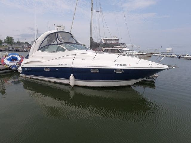2005 Cruisers Yachts boat for sale, model of the boat is 300EXPRESS & Image # 4 of 25