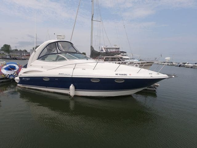 2005 Cruisers Yachts boat for sale, model of the boat is 300EXPRESS & Image # 5 of 25