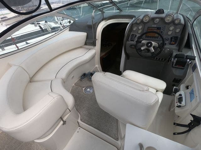 2005 Cruisers Yachts boat for sale, model of the boat is 300EXPRESS & Image # 10 of 25