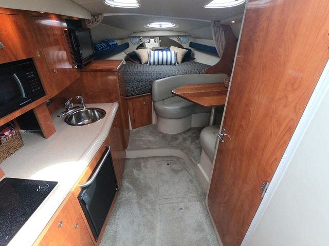 2005 Cruisers Yachts boat for sale, model of the boat is 300EXPRESS & Image # 14 of 25