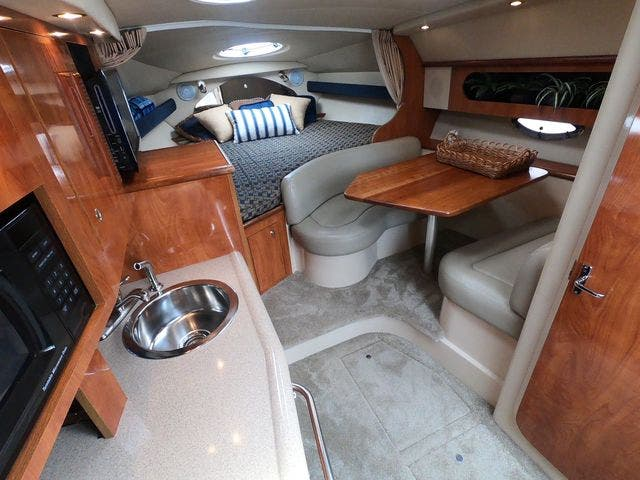2005 Cruisers Yachts boat for sale, model of the boat is 300EXPRESS & Image # 15 of 25