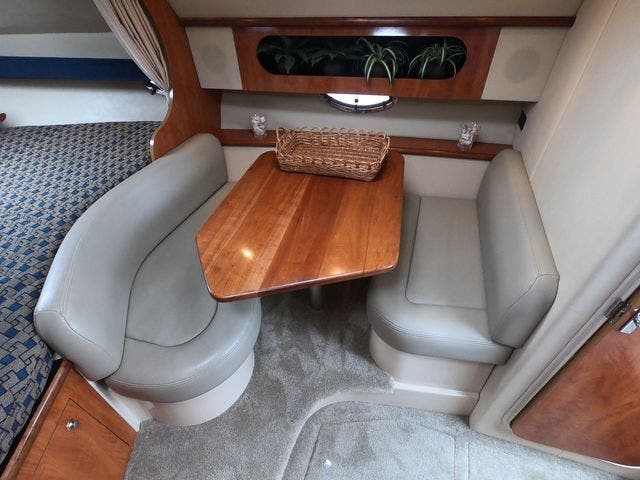 2005 Cruisers Yachts boat for sale, model of the boat is 300EXPRESS & Image # 17 of 25