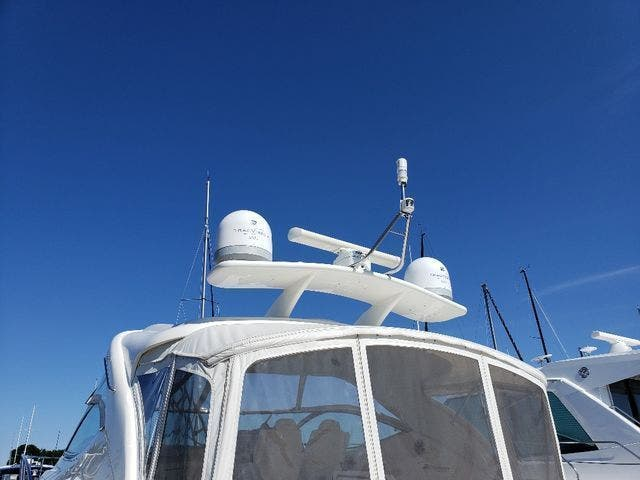 2005 Cruisers Yachts boat for sale, model of the boat is 520 EXP CRUISER & Image # 9 of 42