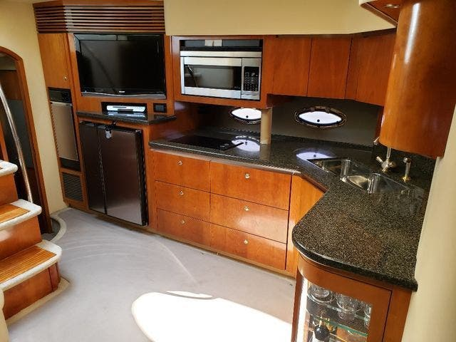 2005 Cruisers Yachts boat for sale, model of the boat is 520 EXP CRUISER & Image # 23 of 42