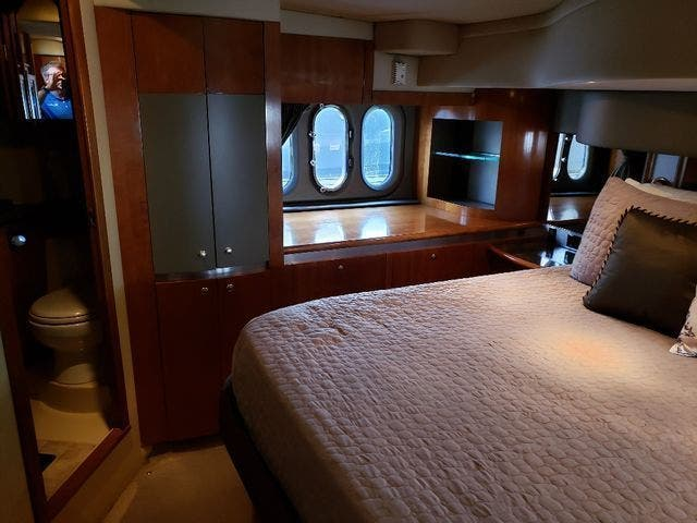 2005 Cruisers Yachts boat for sale, model of the boat is 520 EXP CRUISER & Image # 28 of 42