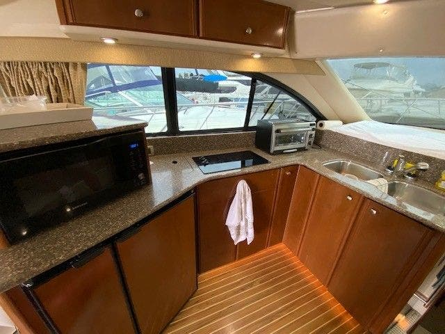 2005 Meridian boat for sale, model of the boat is 411 SEDAN & Image # 4 of 9