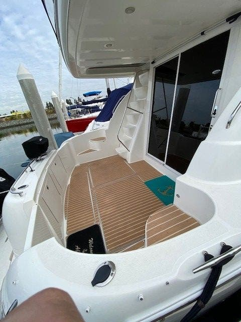 2005 Meridian boat for sale, model of the boat is 411 SEDAN & Image # 8 of 9