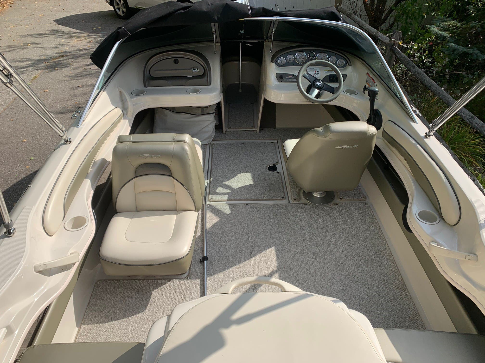 2005 Sea Ray boat for sale, model of the boat is 185 BR & Image # 4 of 7