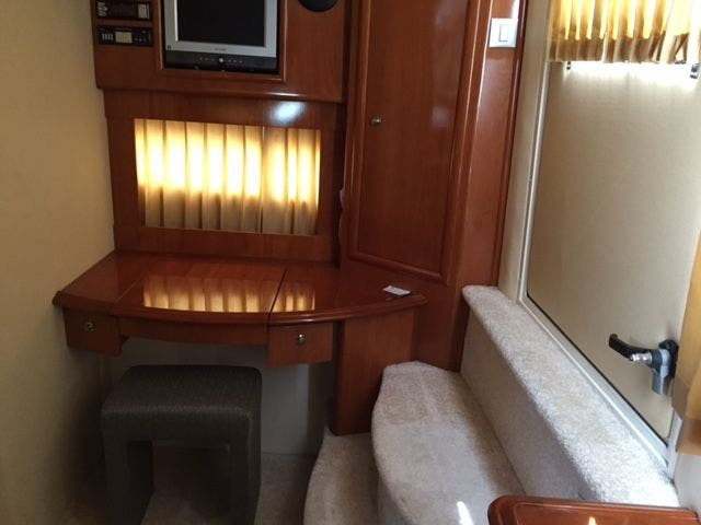 2006 Carver boat for sale, model of the boat is 43MY & Image # 28 of 35