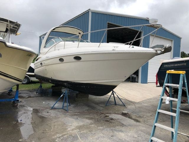 2006 Cruisers Yachts boat for sale, model of the boat is 300 EXPRESS & Image # 3 of 19