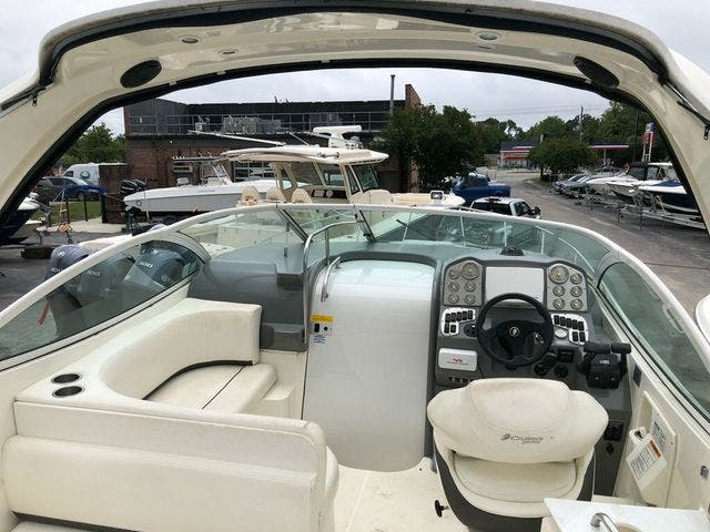 2006 Cruisers Yachts boat for sale, model of the boat is 300 EXPRESS & Image # 5 of 19