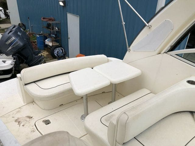 2006 Cruisers Yachts boat for sale, model of the boat is 300 EXPRESS & Image # 6 of 19