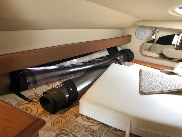 2006 Cruisers Yachts boat for sale, model of the boat is 300 EXPRESS & Image # 12 of 19