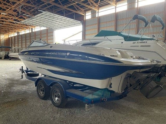 2006 Glastron boat for sale, model of the boat is 235GX & Image # 3 of 10