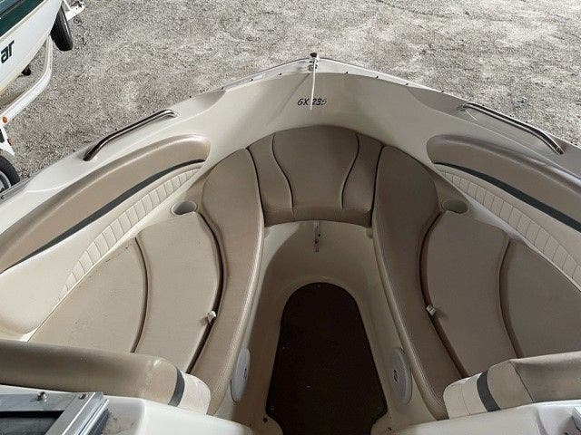 2006 Glastron boat for sale, model of the boat is 235GX & Image # 5 of 10