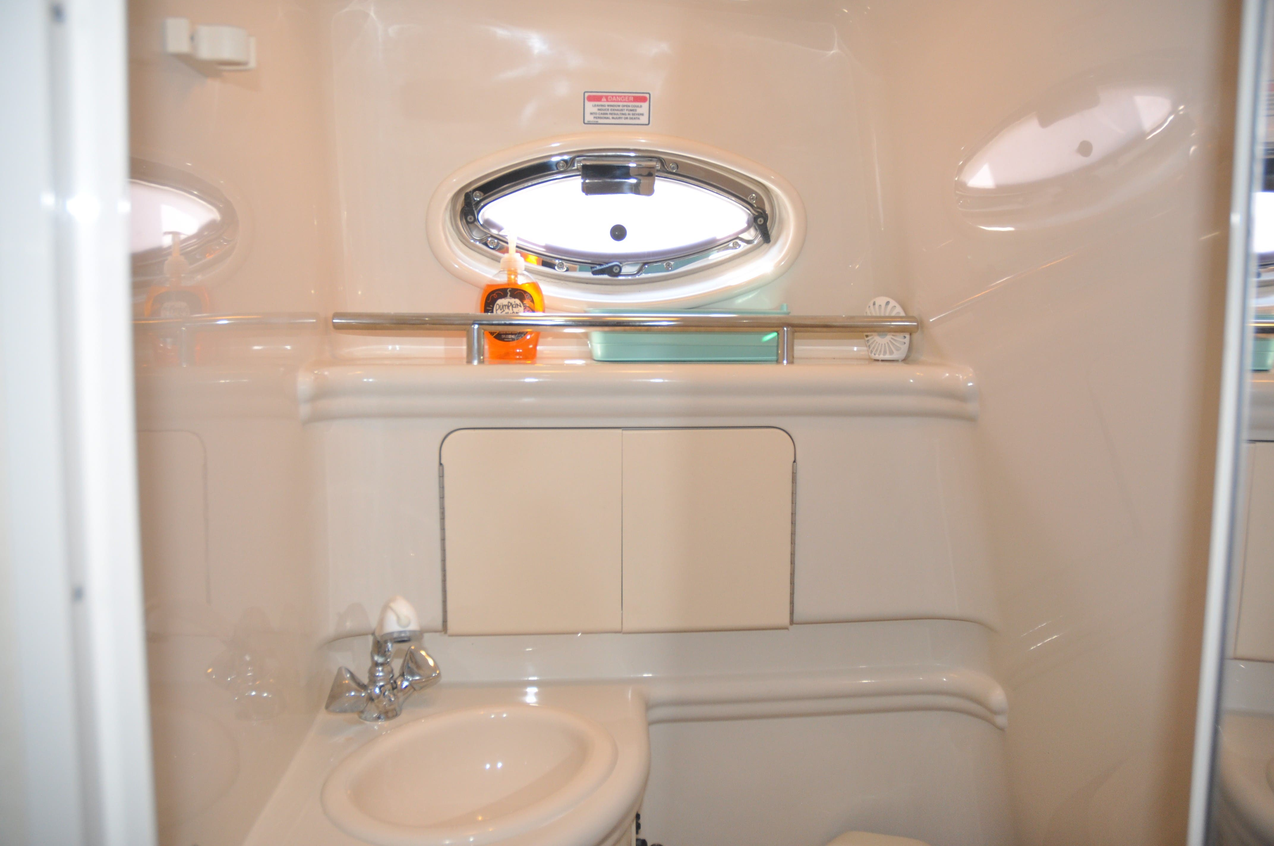 2006 Sea Ray boat for sale, model of the boat is 280 SUNDANCER & Image # 15 of 18