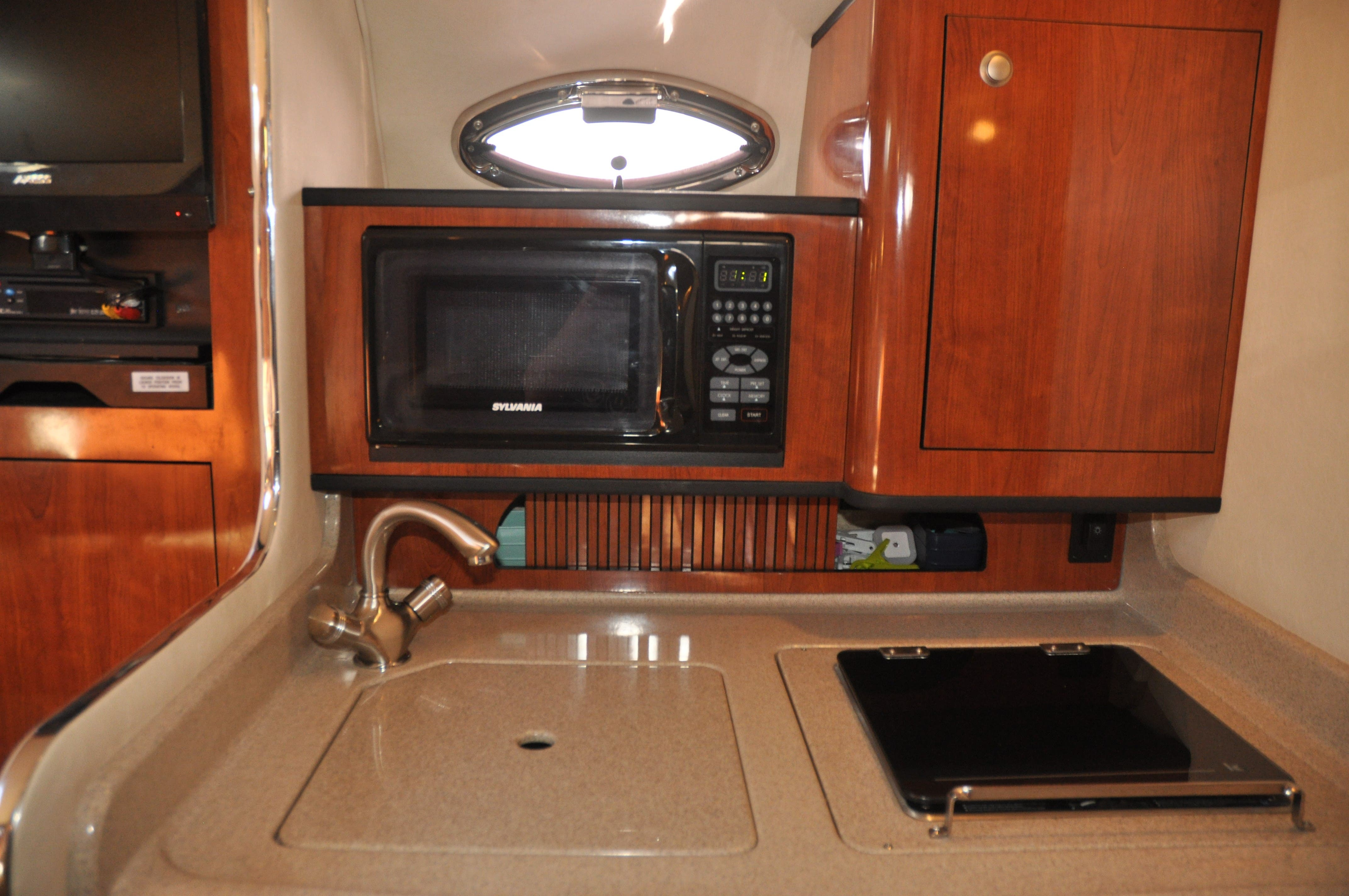2006 Sea Ray boat for sale, model of the boat is 280 SUNDANCER & Image # 13 of 18