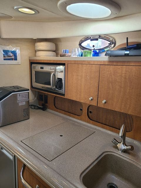 2006 Sea Ray boat for sale, model of the boat is 340 SUNDANCER & Image # 38 of 81