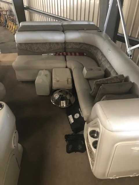 2007 Harris boat for sale, model of the boat is 220 Classic & Image # 7 of 9