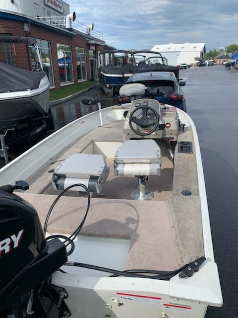 2007 Lowe boat for sale, model of the boat is ANGLER 140S & Image # 3 of 6