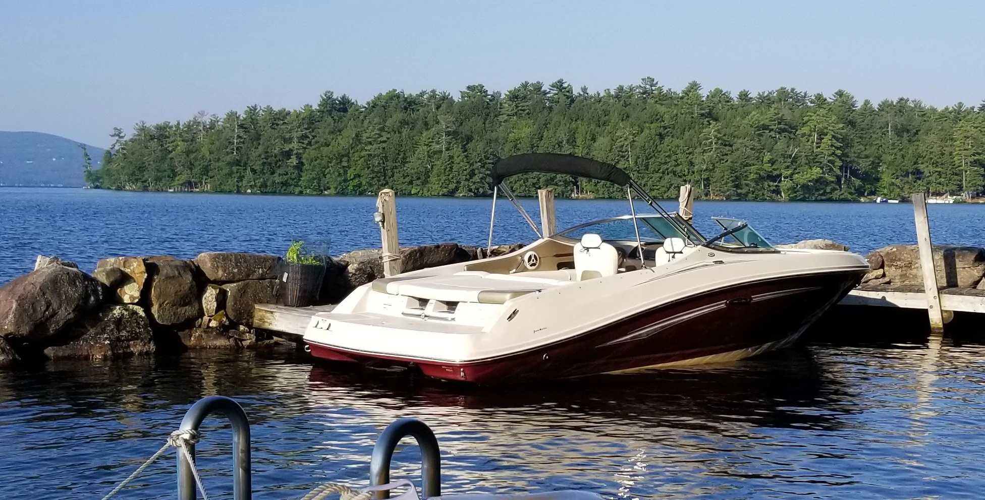 2007 Sea Ray boat for sale, model of the boat is 230 Select & Image # 3 of 6
