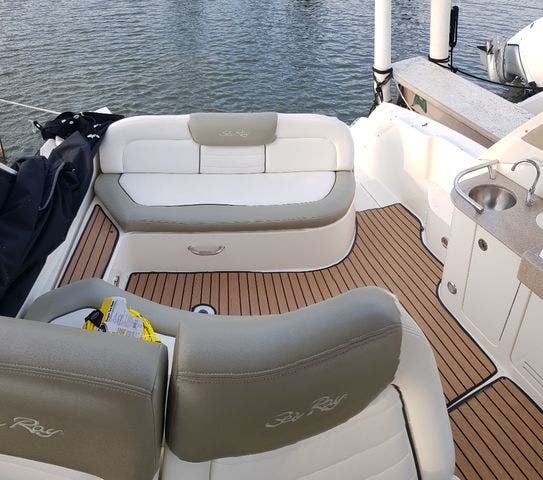 2007 Sea Ray boat for sale, model of the boat is 310 SUNDANCER & Image # 9 of 21