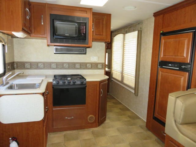 2008 Thor Motor Coach Four Winds CHATEAU 31F Thumbnail