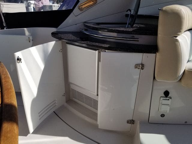 2008 Four Winns boat for sale, model of the boat is 338 VISTA & Image # 14 of 41