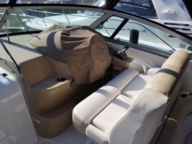 2008 Four Winns boat for sale, model of the boat is 338 VISTA & Image # 16 of 41