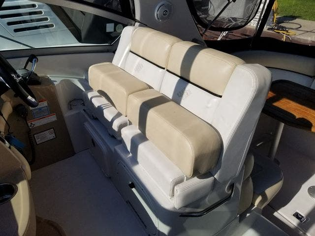 2008 Four Winns boat for sale, model of the boat is 338 VISTA & Image # 18 of 41