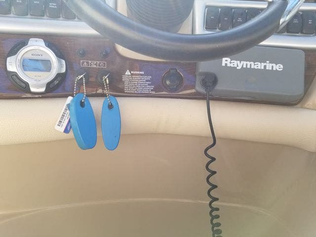2008 Four Winns boat for sale, model of the boat is 338 VISTA & Image # 23 of 41