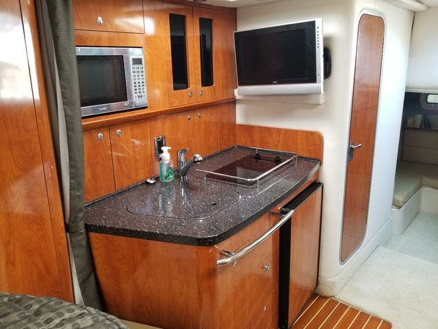 2008 Four Winns boat for sale, model of the boat is 338 VISTA & Image # 29 of 41