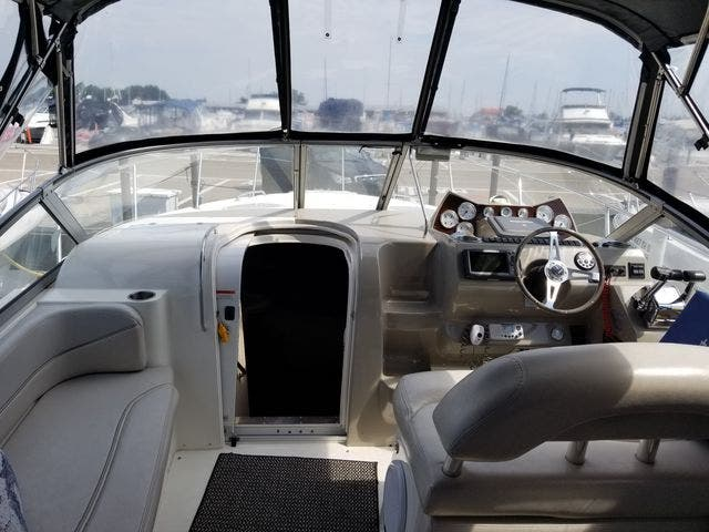 2008 Larson boat for sale, model of the boat is 330 CABRIO & Image # 10 of 21