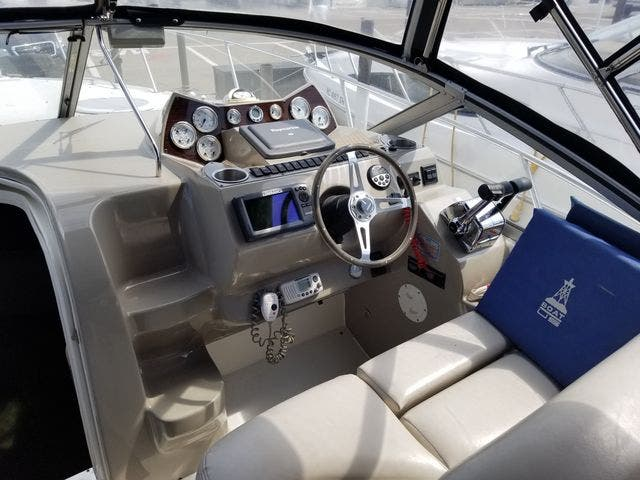 2008 Larson boat for sale, model of the boat is 330 CABRIO & Image # 11 of 21