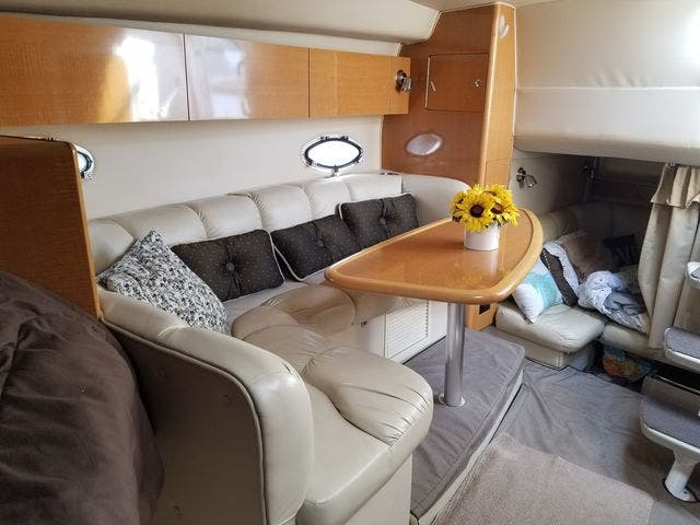 2008 Larson boat for sale, model of the boat is 330 CABRIO & Image # 17 of 21
