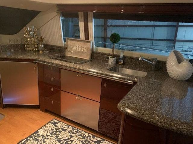 2008 Sea Ray boat for sale, model of the boat is 58 SEDAN BRIDGE & Image # 40 of 69
