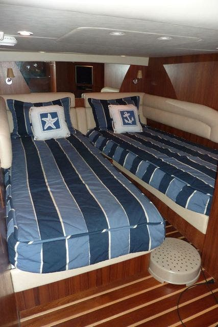 2008 Tiara Yachts boat for sale, model of the boat is 4300 SOVRAN & Image # 14 of 15