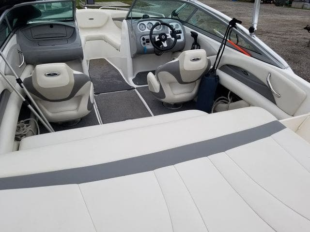 2009 Chaparral boat for sale, model of the boat is 204 SSI & Image # 4 of 24