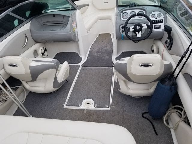 2009 Chaparral boat for sale, model of the boat is 204 SSI & Image # 8 of 24